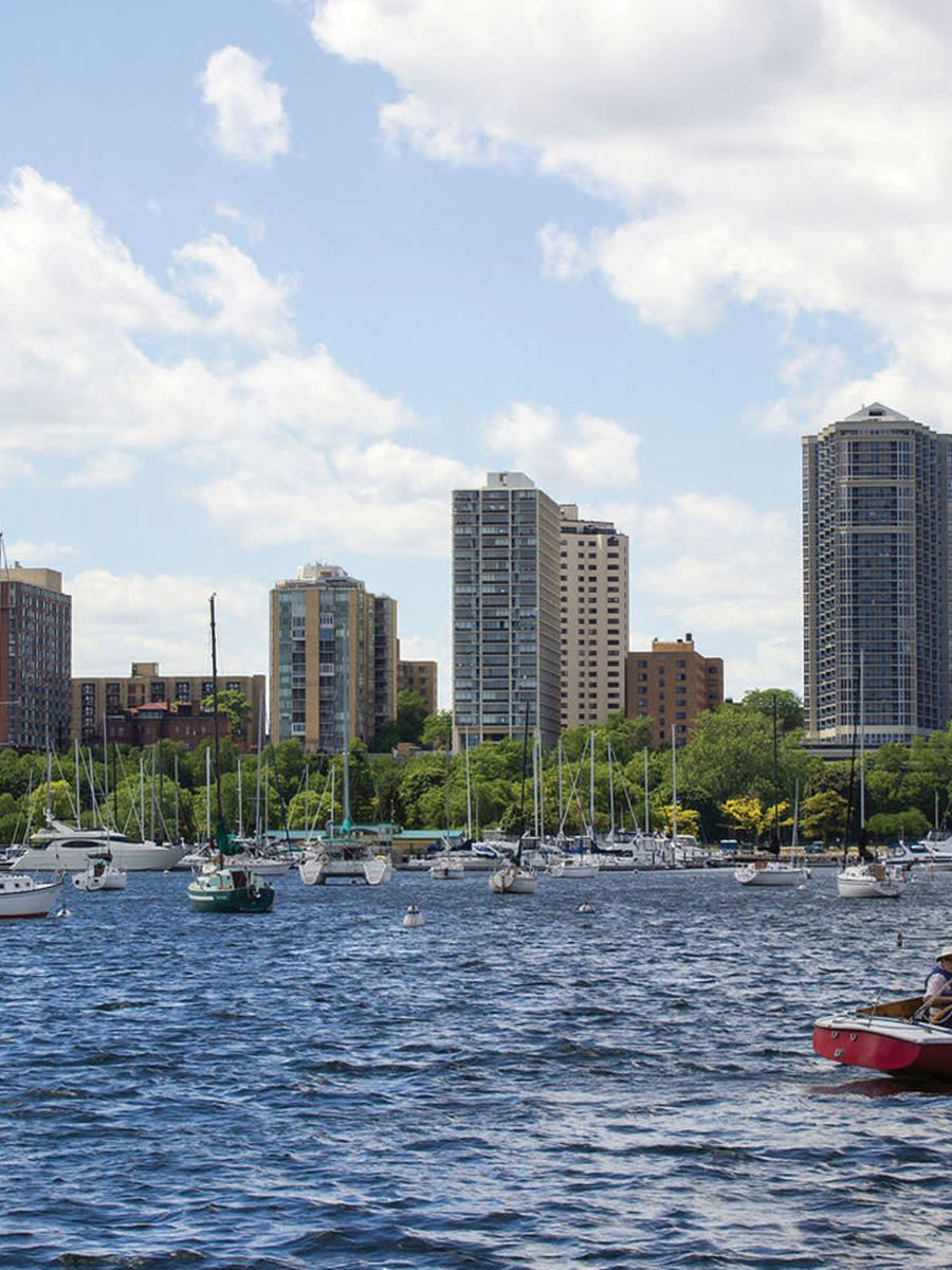 Adventure sailing in Milwaukee by Sea Dog Sailing