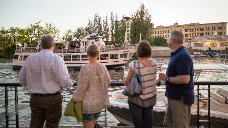Milwaukee Boat Line - Sightseeing Tours & Private Charters
