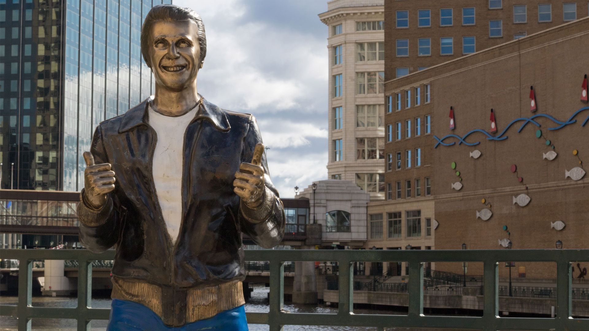 Riverwalk e Bronze Fonz